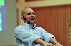 Omar Beltran presenta se stesso e Respirazione Totale